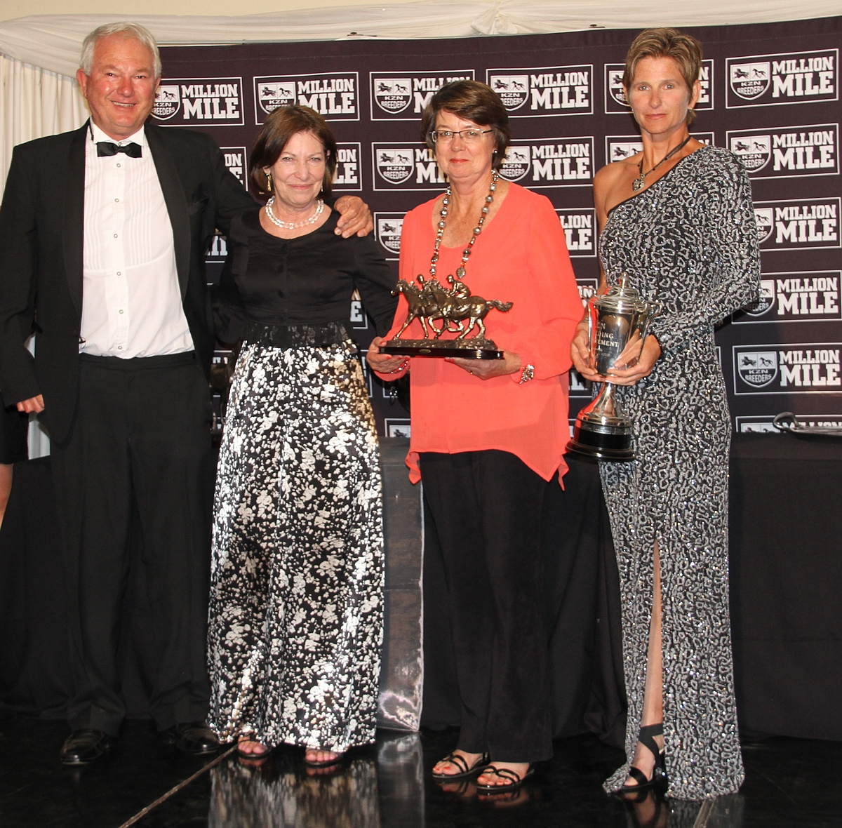 Clifton Stud at the 2015 KZN Breeders Awards, where they won Breeders Achievement. Peter Blyth, Linda Norval, Jenny Blyth and Christine Quinn pictured. Image: Candiese Marnewick