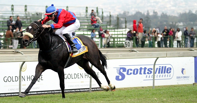Brave Mary flies to the finish in the Gr1 Allan Robertson. Image: Candiese Marnewick