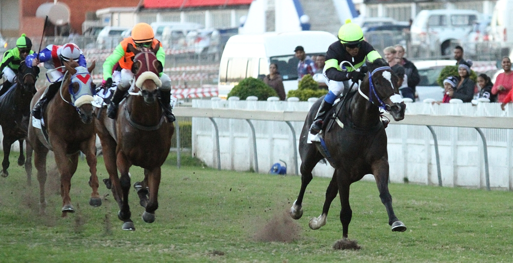 Matador Man accelerates away from Trippi filly Dawn Calling to win going away. Image: Candiese Marnewick