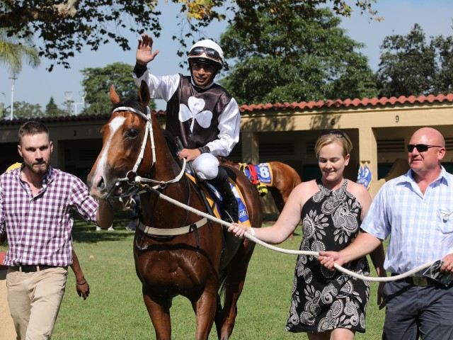 Di Me leads the first log of the KZN Breeders Trainers & Jockeys Challenge. Image: Candiese Marnewick
