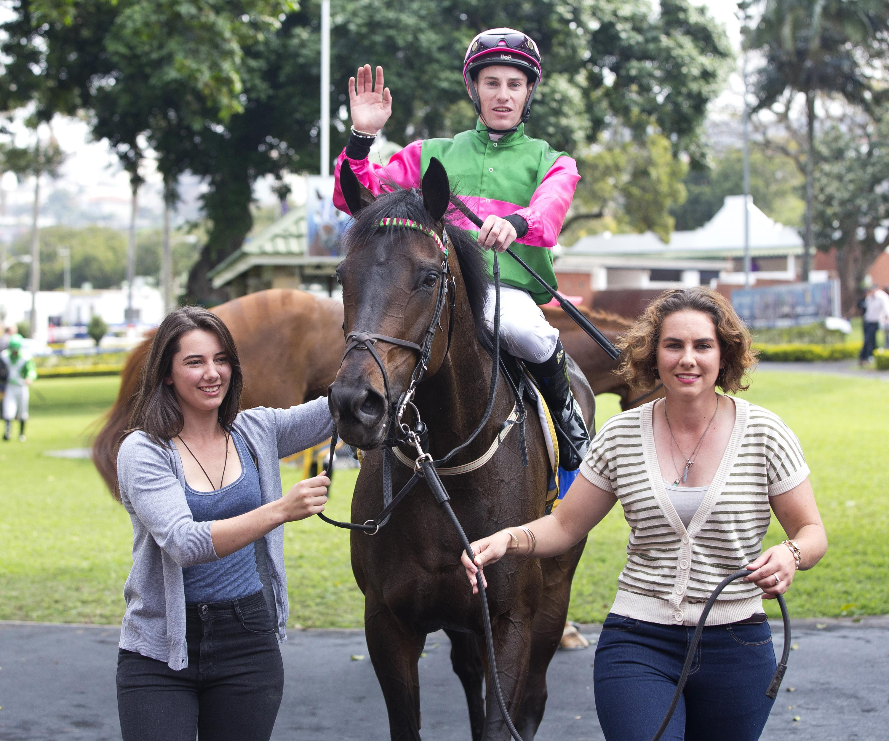 Haley and Taryn Crawford with Spring Lightning at Greyville on 23 September. Image: Anneke Kitching